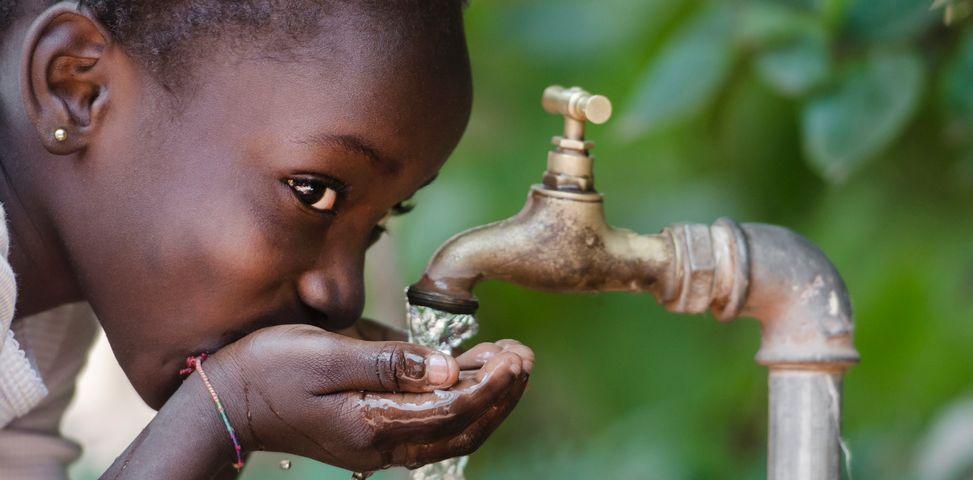 black+girl+water+tap+drinking